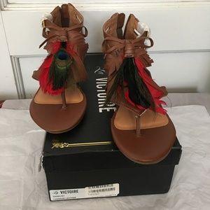 La Victoire Daralis1 feather sandals  8.5 M